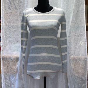 Gap long sleeve size s